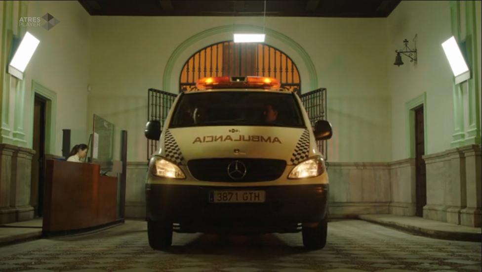 """Ambulancias Tenorio aparece en la nueva serie de ficción de Antena 3 """"Allí Abajo"""""""